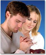 prayer_team_couple